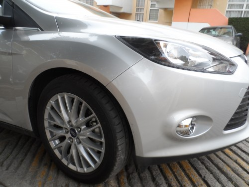 Ford Focus HB rin lateral frente