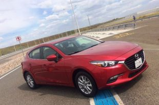 mazda-3-2017-frente-lateral-hatch
