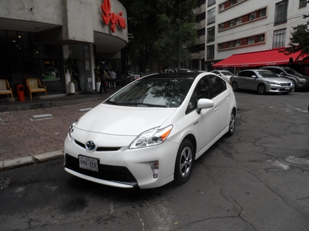 TOY PRIUS FRENTE LATERAL