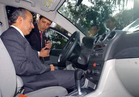 Calderón al volante
