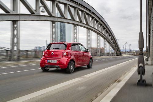 Muy bravo con un motor turbo. smart BRABUS forfour Xclusive, 2016, red;