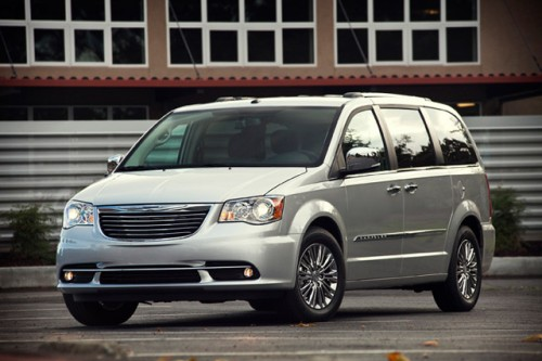 Chrysler Town and Country 2015 frente lateral