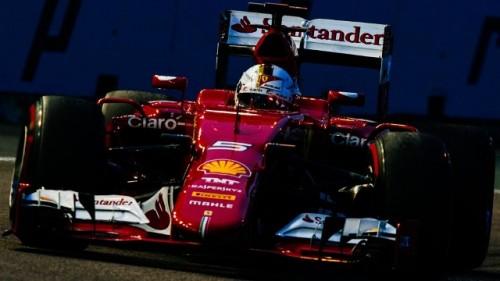 F1 GP Singapur Vettel pole