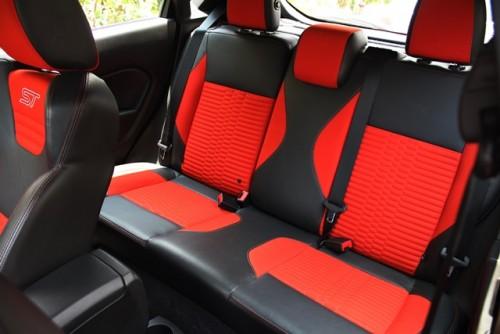 Ford Fiesta ST 2014 cr asiento trasero