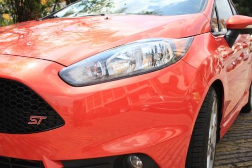 Ford Fiesta ST 2014 cr frente lateral detalle