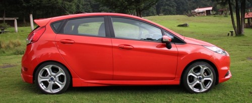 Ford Fiesta ST 2014 cr lateral