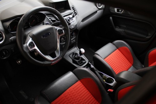 Ford Fiesta ST 2014 cr  tablero y asiento