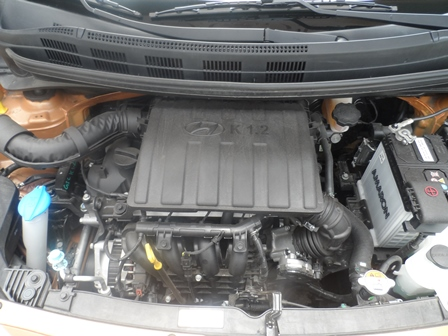 Hyundai Grand i10 motor detalle