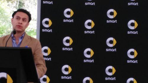 Osiel Pinal, director de marketing, encabezó la ceremonia de premiación. (Fotos: Jorge A. López).