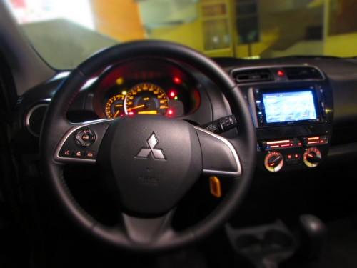 Mit M volante