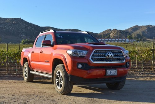Toyota Tacoma 2016 frente lateral der