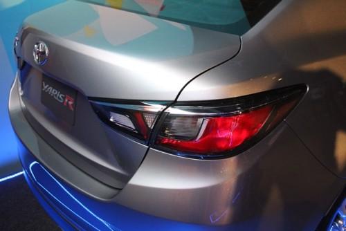 Toyota Yaris R atrás lateral detalle