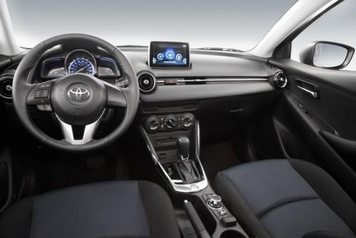 Toyota Yaris R tablero