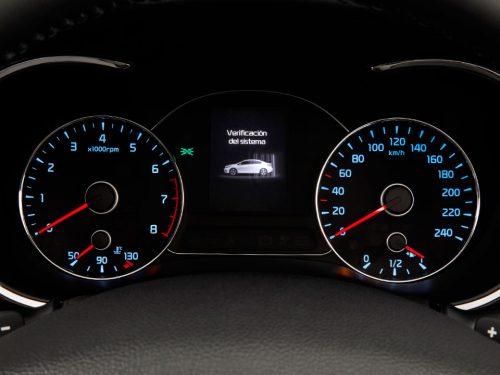 El panel de instrumentos envía información al conductor.