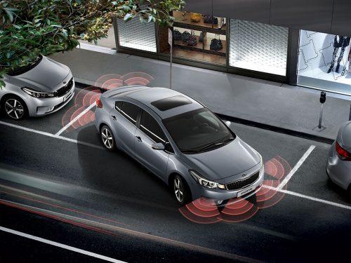 La seguridad se complementa con sensores traseros y delanteros.