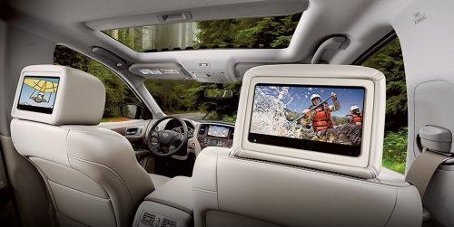 Dos pantallas independientes para amenizar los viajes largos.